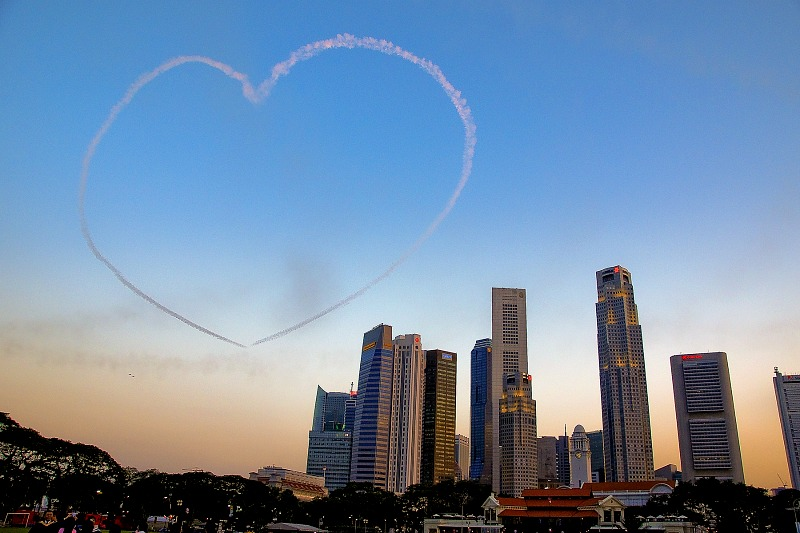 A huge heart in the sky courtesy of Singapore's Black Knights