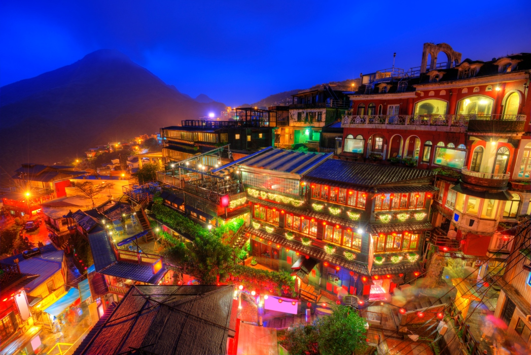 The surreal and wondrous scenes of Jiufen Old Street
