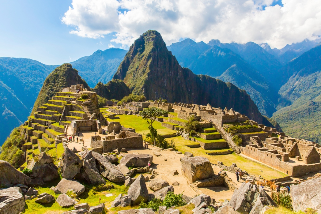 An overlooking view of the famed Incan ruins