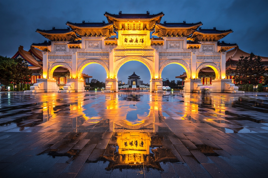 A beautiful and photographic structure in National Chiang Kai-shek Memorial Hall